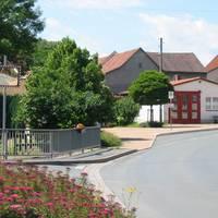 Feuerwehrhaus im Ortskern