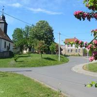 Straßenverbindung in das Zentrum der Ortschaft