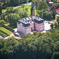 Luftbild des Schlosses Oppurg